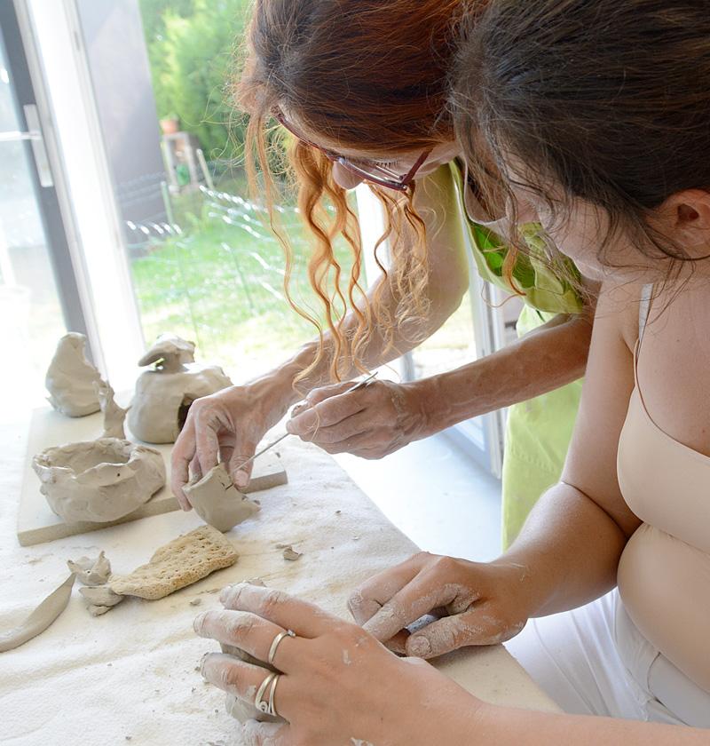 Atelier modelage céramique pour personne en situation de handicap